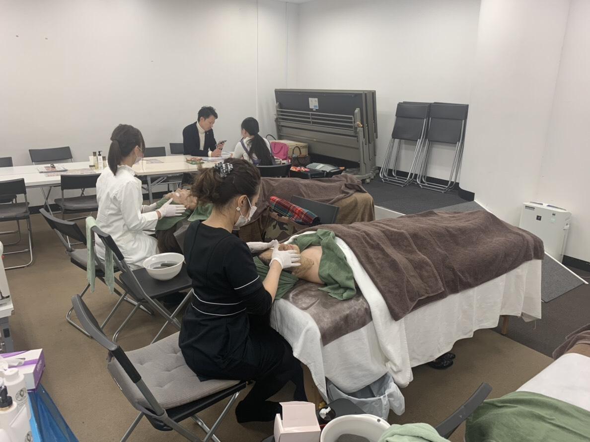 大阪にてリアボーテハーブトリートメント体験会を実施しました。